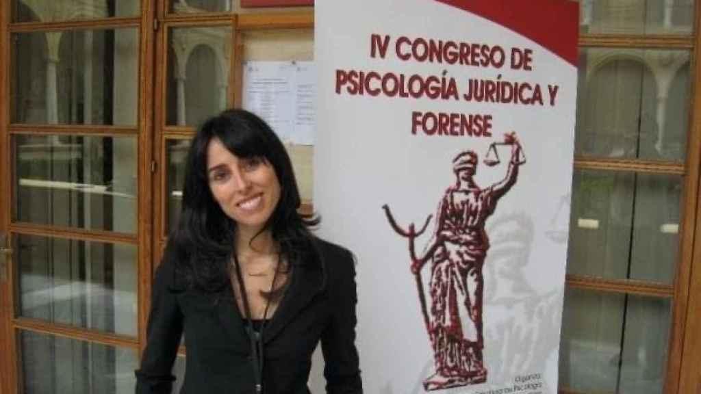 Virginia durante un Congreso de Psicología Jurídica y Forense en España.
