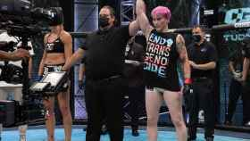 Alana McLaughlin gana su combate ante Celine Provost