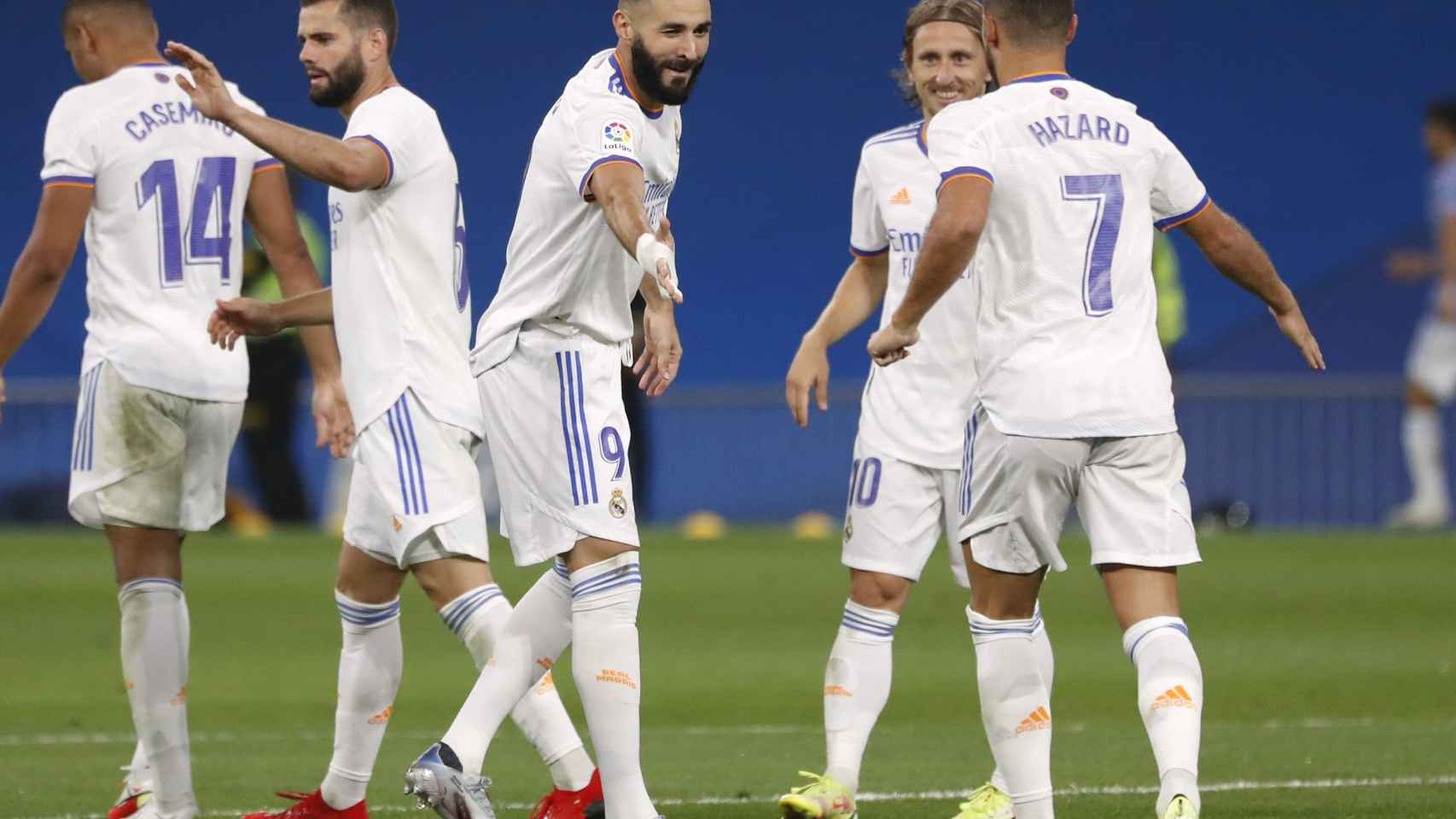 Karim Benzema celebra su segundo gol al Celta de Vigo