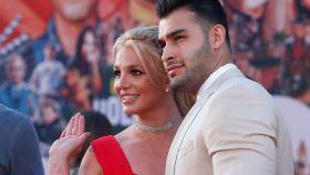 Britney Spears junto a su novio, Sam Asghari.   Foto: Reuters