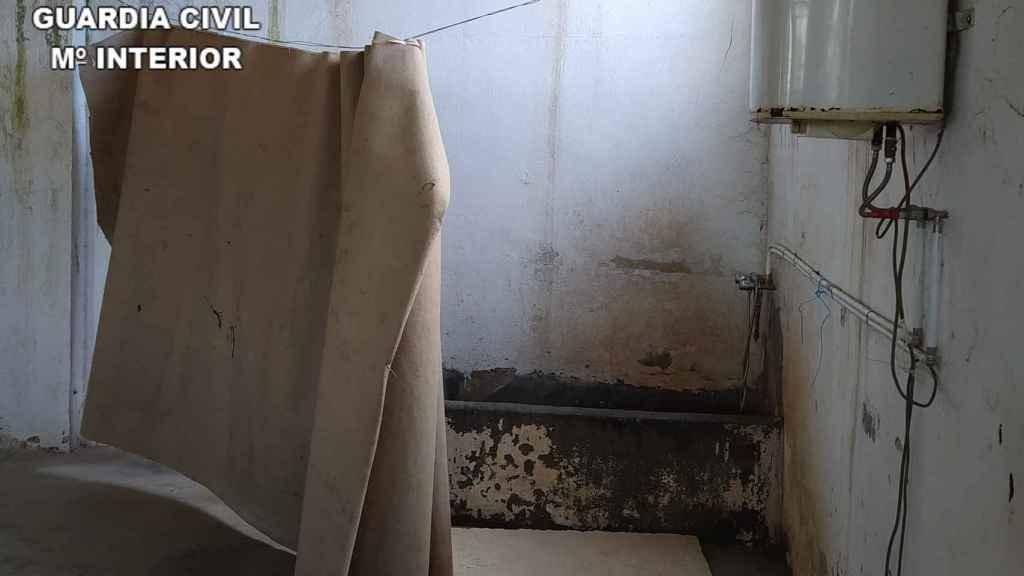 La ducha en la que se lavaban los temporeros.