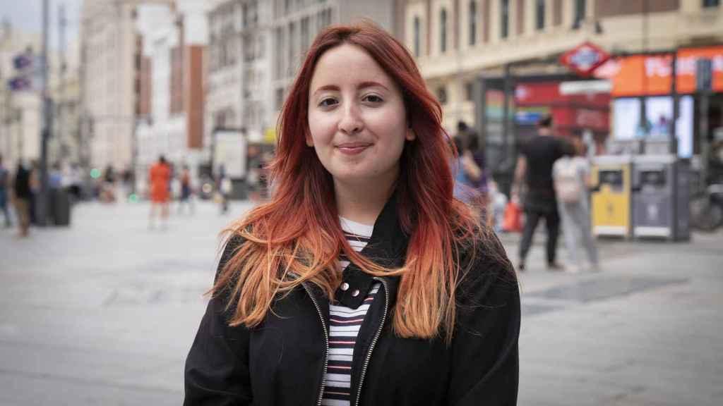 Celia, de 23 años, estudia periodismo y comunicación audiovisual.