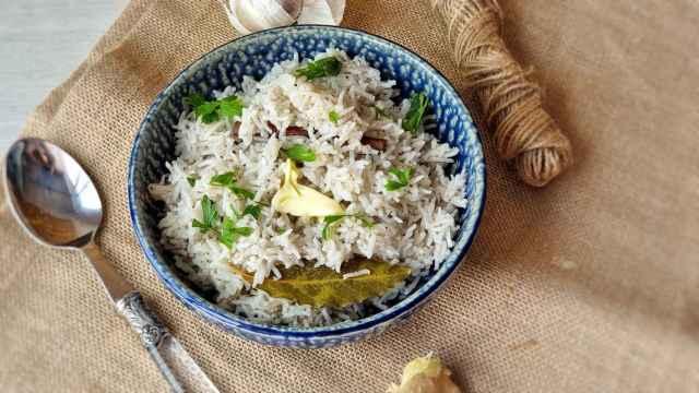 Arroz indio especiado, una receta y los trucos del Jeera Rice