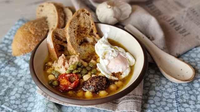 Sopa de garbanzos y huevo tunecina, receta de Lablabi