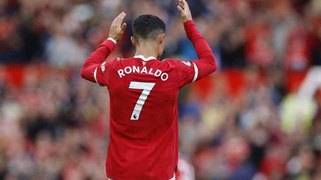 Cristiano aplaude a la afición de Old Trafford