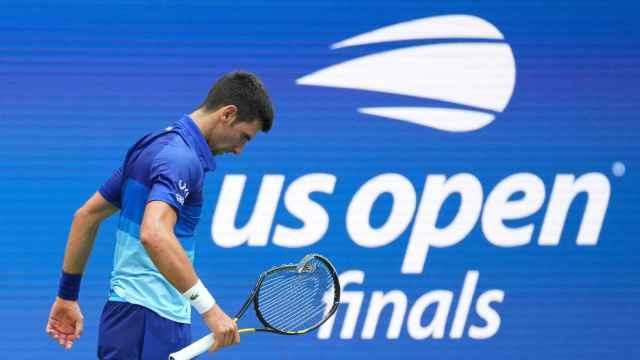 Djokovic, cabizbajo en su partido contra Medvedev en la final del US Open 2021