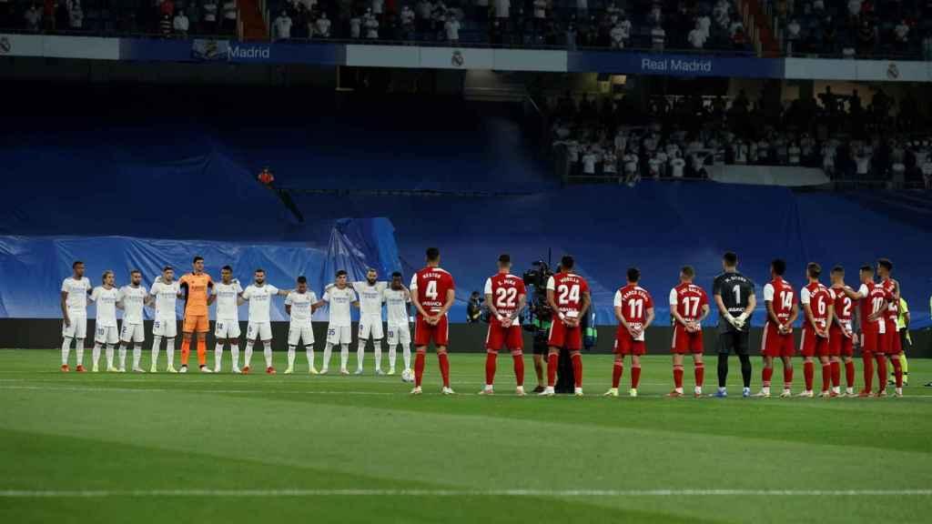Minuto de silencio en el Real Madrid - Celta por las víctimas de la Covid-19