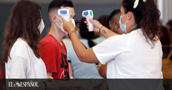 Sanidad notifica 5.988 nuevos contagios de Covid y 118 muertes más: la incidencia baja a 83