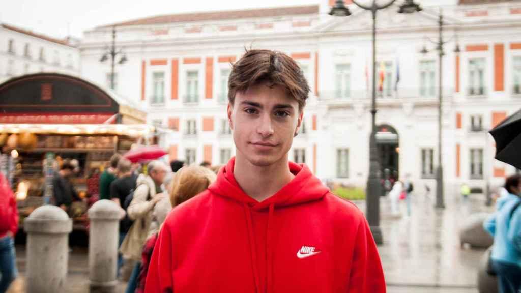 Sergio, vigués de 18 años, está deseando sacarse el permiso.