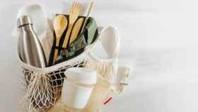 La OCU alerta del peligro que esconden estos populares cubiertos y platos