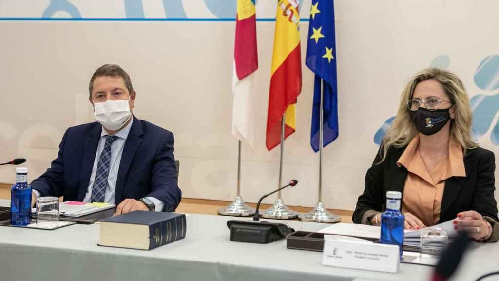Emiliano García-Page, presidente de Castilla-La Mancha, y Silvia Fernández, alcaldesa de Seseña