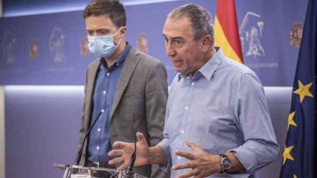 Íñigo Errejón y Joan Baldoví, en el Congreso de los Diputados. EE