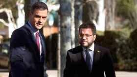 El presidente del Gobierno, Pedro Sánchez, y el presidente de la Generalitat, Pere Aragonès.