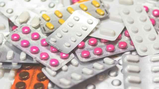 Decenas de tabletas de medicamentos. FOTO: Pixabay.