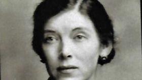 Una imagen de la poeta Gamel Woolsey.
