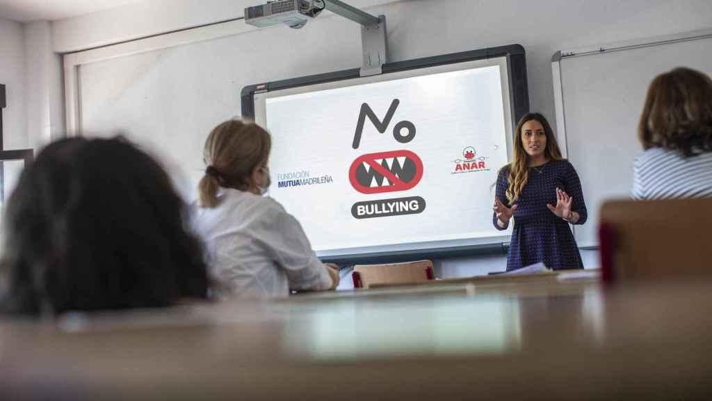 Una charla contra el acoso escolar realizada por las Fundaciones Mutua y ANAR.