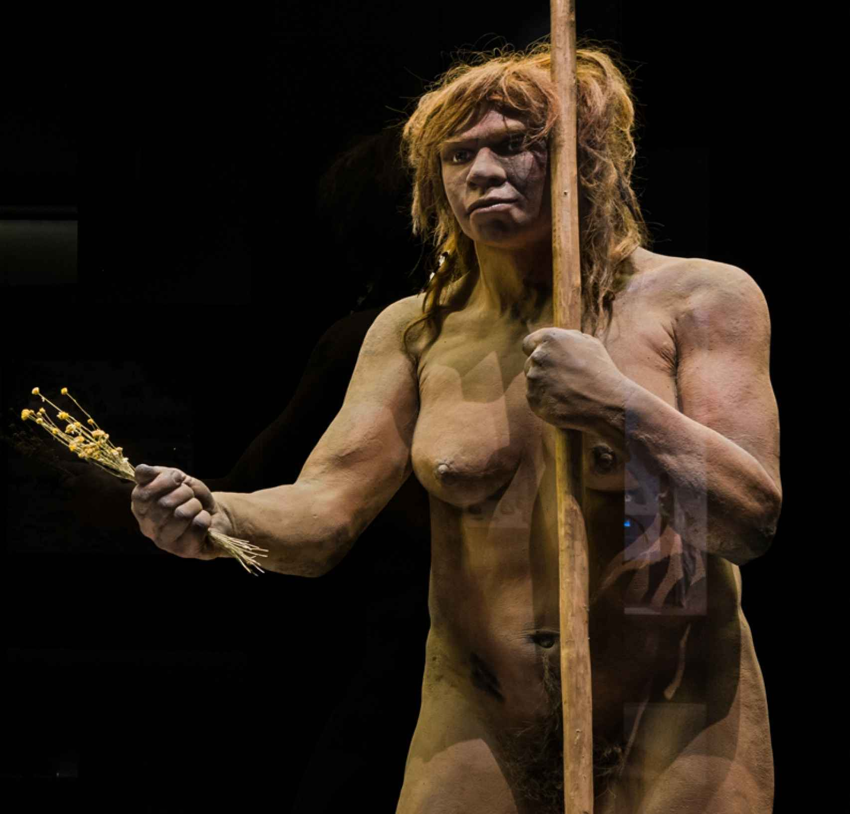 Figuración de una mujer neandertal en el Museo Arqueológico Nacional.