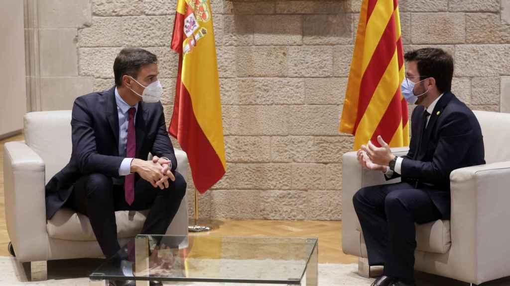 Pedro Sánchez y Pere Aragonès este miércoles en el Palau. Efe