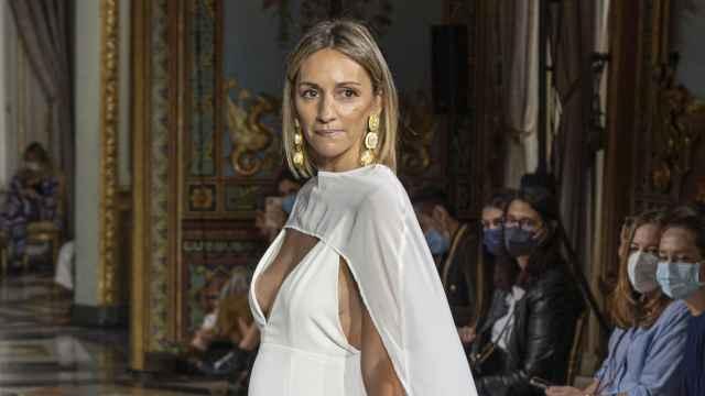 La expareja de Albert Rivera, Beatriz Tajuelo, durante el desfile de Atelier Couture de este miércoles.