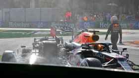 Verstappen deja atrás su accidente con Hamilton