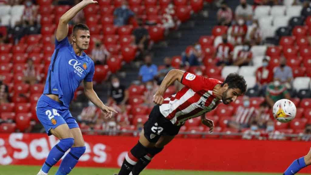 Raúl García, en un partido del Athletic en la temporada 2021/2022