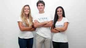 María Azofra, Lucía Clifford y Julián Azofra son los tres fundadores de la startup Yakk.