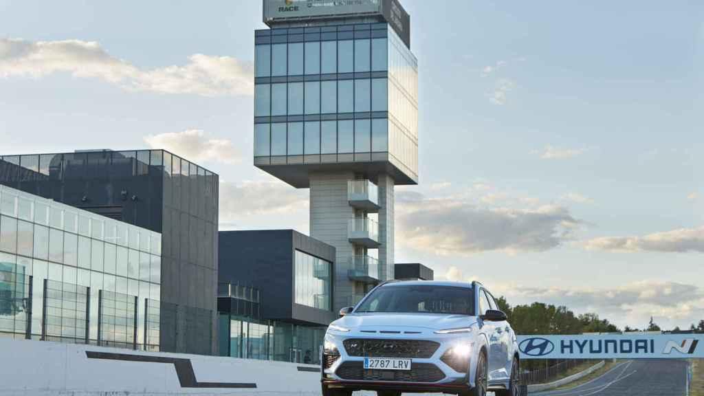El Hyundai Kona es un SUV con orientación deportiva.