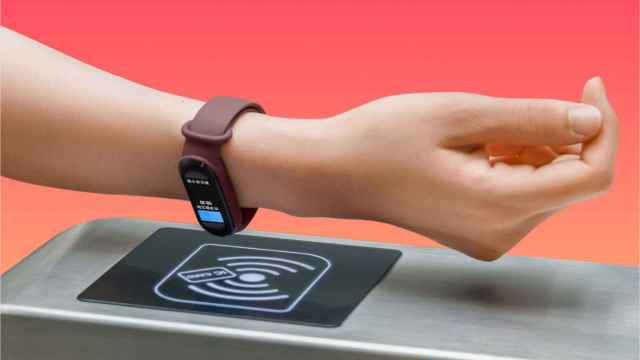 Con la Xiaomi Mi Band 6 NFC puedes pagar con la pulsera.