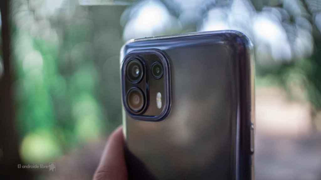 Motorola Edge 20 Lite haciendo una foto