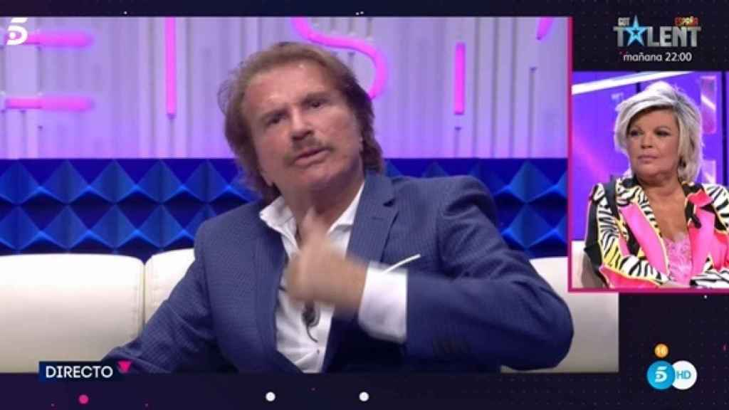 Terelu Campos hablando con Edmundo Arrocet en directo.