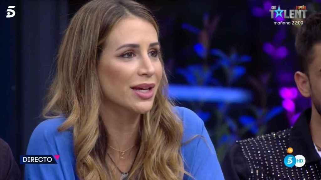 Cristina Porta hablando con Jorge Javier.