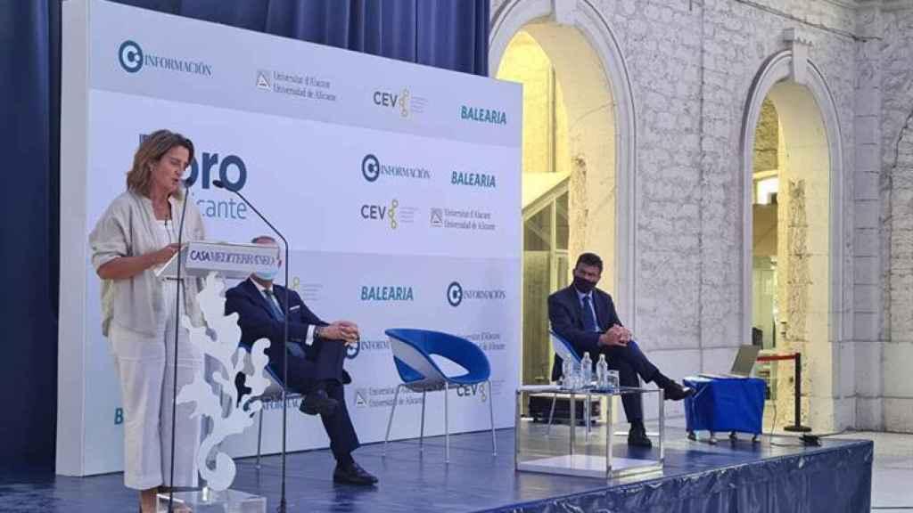 Ribera anuncia 90 millones de euros para energía fotovoltaica en el trasvase Júcar-Vinalopó