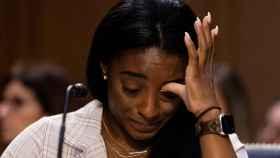 Simone Biles, llorando durante su testimonio ante el Senado de EEUU