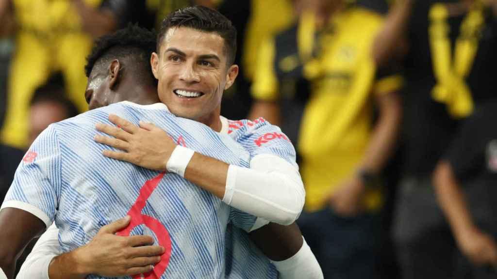 Abrazo de Paul Pogba y Cristiano Ronaldo