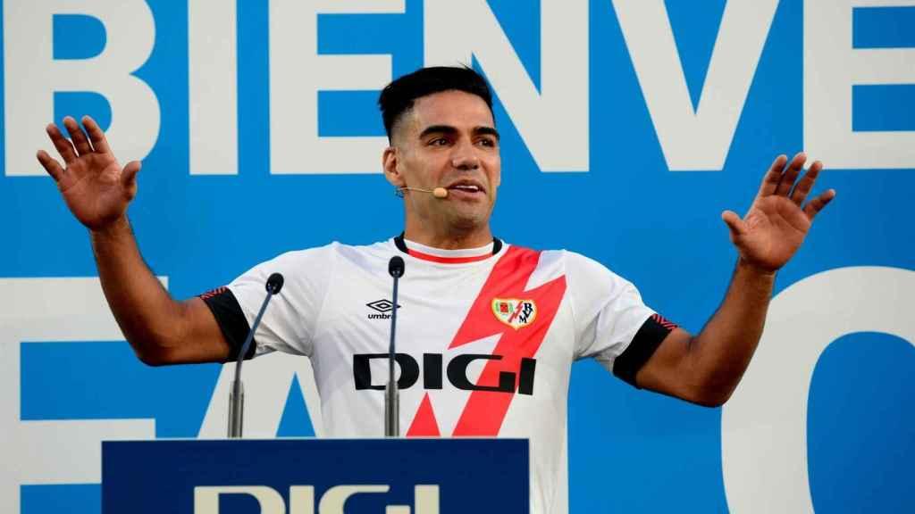 Radamel Falcao, durante su presentación como jugador del Rayo Vallecano