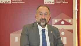 El rector de la Universidad de Castilla-La Mancha (UCLM), Julián Garde.