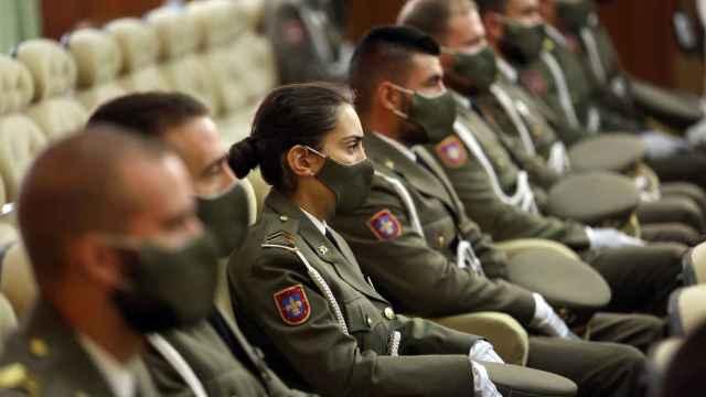 Dos ministras inauguran el curso en la Academia de Infantería de Toledo: Sois ejemplo de lo que queremos