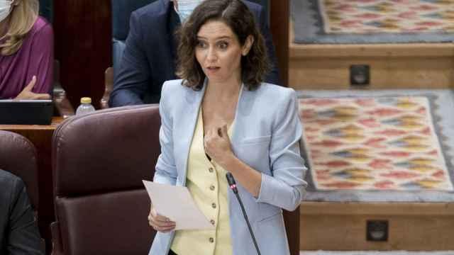La presidenta de la Comunidad de Madrid, Isabel Díaz Ayuso, interviene en una sesión de control al Gobierno de la Comunidad de Madrid en la Asamblea de Madrid.