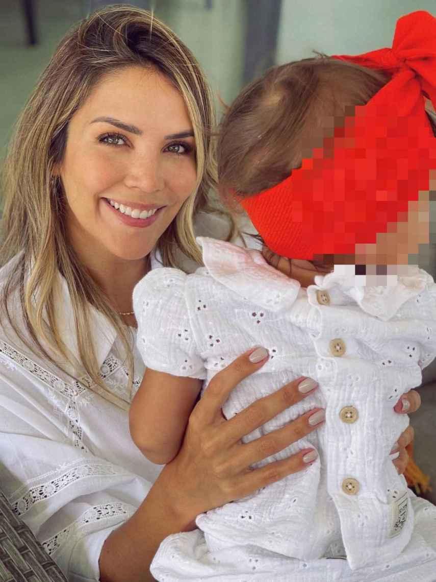 Rosanna posa feliz junto a su hija Bianca, que cumplirá su primer año el próximo octubre.