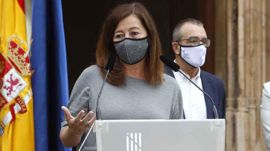 La presidenta del Gobierno balear, Francina Armengol, junto al vicepresidente regional y 'conseller' Juan Pedro Yllanes.