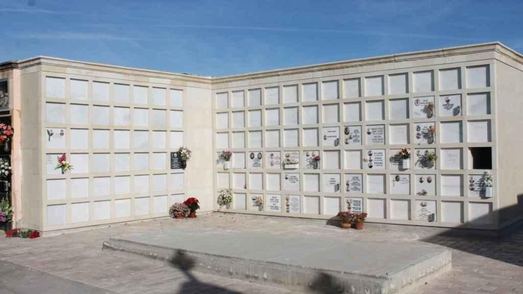 Nuevos nichos en el Cementerio Nuevo de Elche.