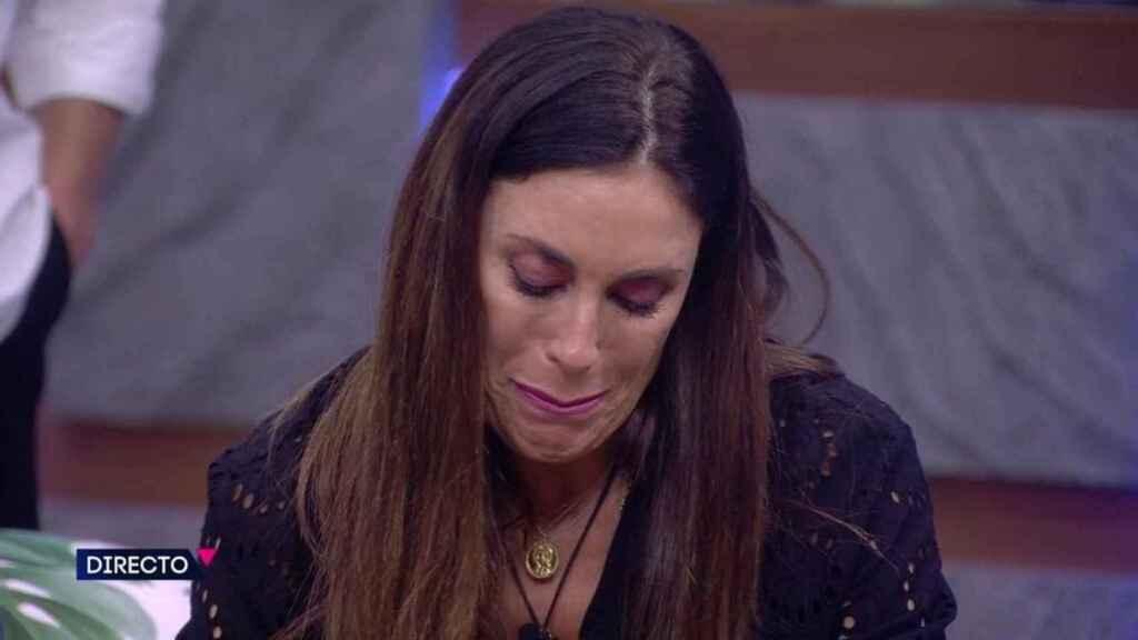 Isabel Rábago acabó entre lágrimas tras su discusión con Miguel Frigenti.