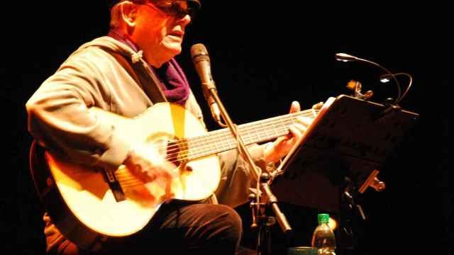 Silvio Rodríguez durante una actuación en 2011.