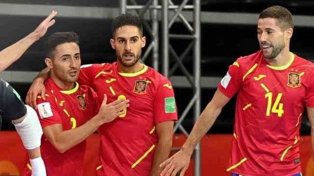 Los jugadores de España celebran un gol durante el Mundial de fútbol sala
