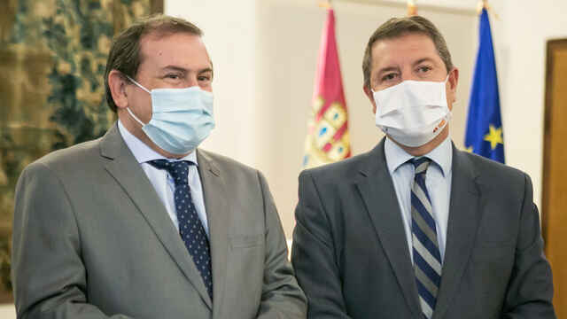Emiliano García-Page, presidente de Castilla-La Mancha, y Adolfo Muniz, alcalde de Puertollano