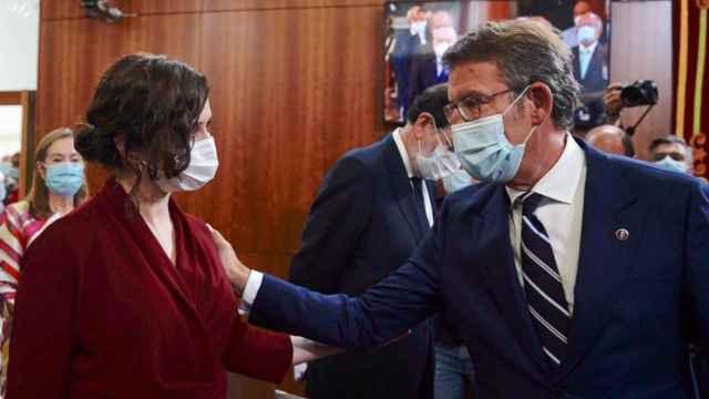 """Feijóo respalda a Ayuso frente a Casado: ve """"normal"""" que aspire a presidir el PP de Madrid"""