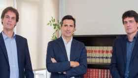 De izquierda a derecha, David Prous, Jordi Fàbrega y Josep Prous, cofundadores de la 'spin off'.