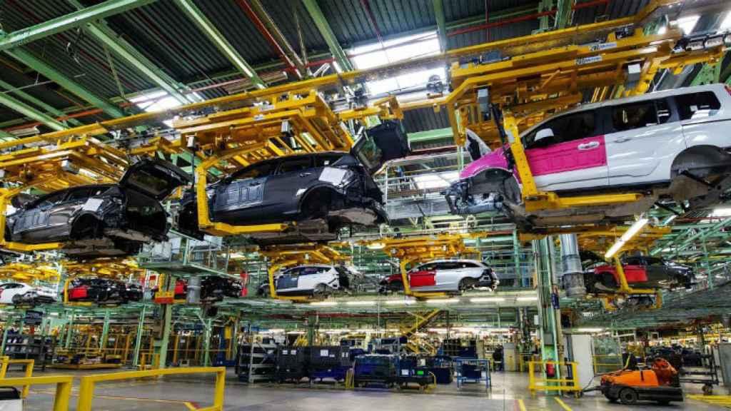 Línea de producción de Ford Almussafes. EE