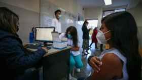 Vacunación de menores en Quito, Ecuador.