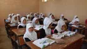 Niñas afganas en una clase en la provincia de Balkh, en Afganistán.